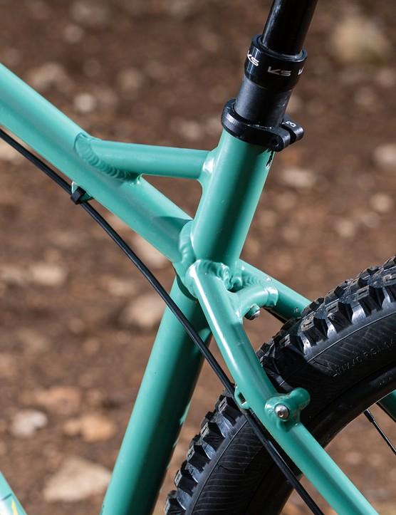 The Bombtrack Cale AL hardtail mountain bike has fender and rack mounts