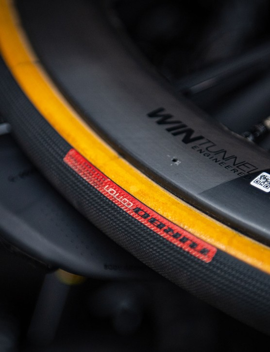 Roval wheels with Specialized Turbo Cotton clincher tyres
