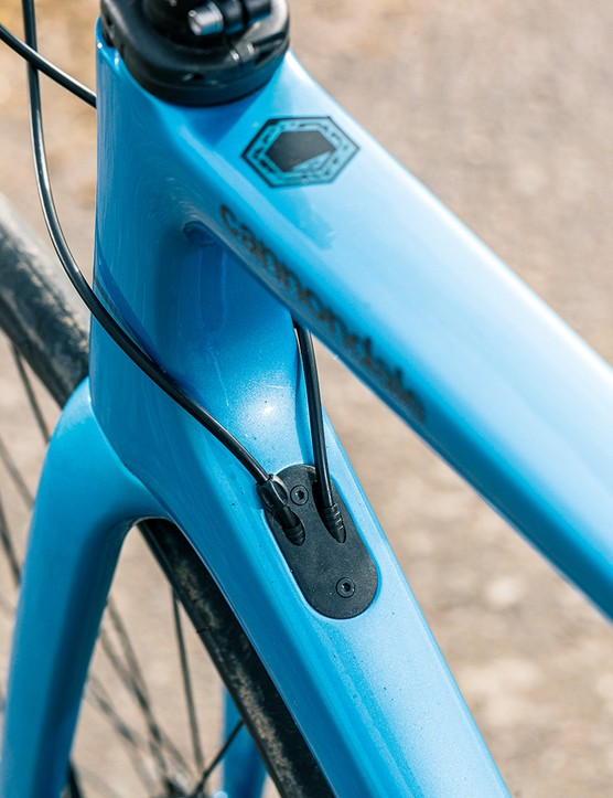 Get maintenance tips on the Cannondale Supersix EVO 105 via the QR code on the toptube