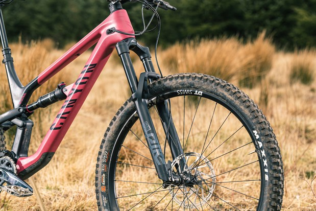 The Canyon Spectral 29 CF 7 full suspension mountain bike is equipped with a RockShox Pike Select RC fork