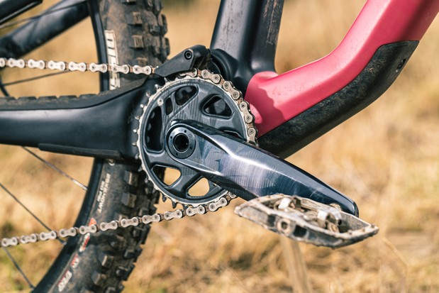 The Canyon Spectral 29 CF 7 full suspension mountain bike is equipped with a SRAM GX Eagle crankset