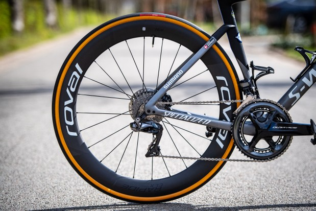 Roval Rapide CLX wheel with Specialized Turbo Cotton clincher tyre
