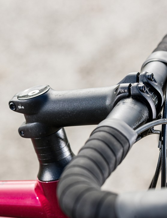 Giant Contend AR3 road bike is equipped with their own-branded bar and stem
