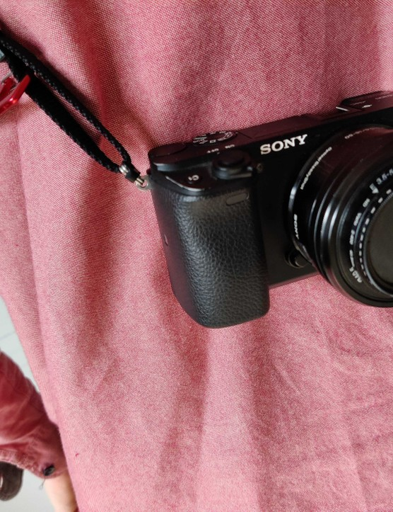Rille strap attached Sony A6300