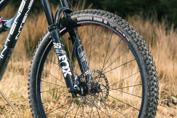 The Fox 36 is a stout fork on a trail bike, and one we like to see.
