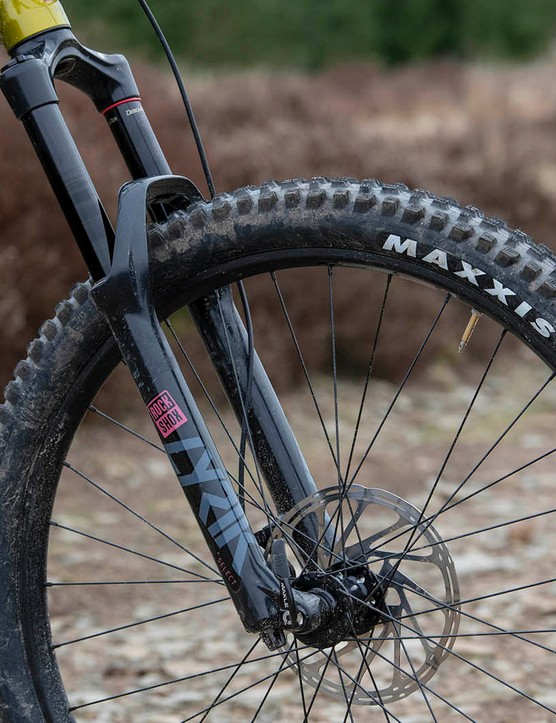 The Kona Process 153 DL 29 full suspension mountain bike is equipped with a RockShox Lyrik Select fork