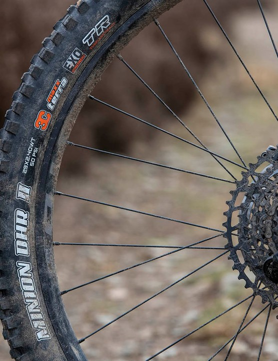 The Kona Process 153 DL 29 full suspension mountain bike is equipped with a Maxxis Minnion DHR II rear tyre