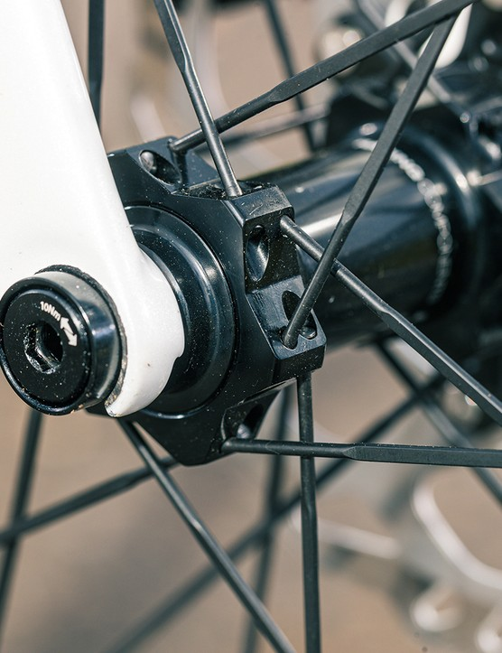 Lapierre uses Speed Release thru-axle front and rear
