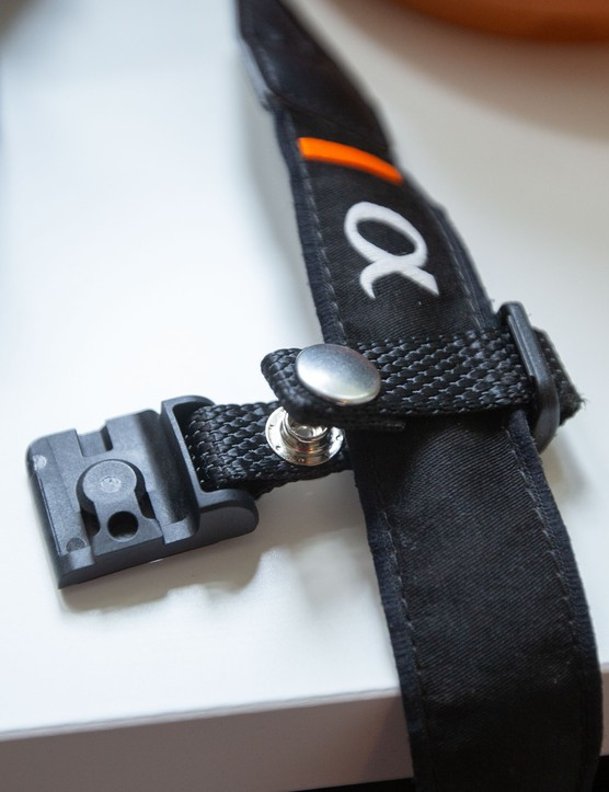 Rille Strap fitting