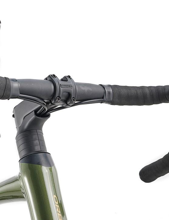 OC1 bar and stem on the Orbea Avant H60 D road bike