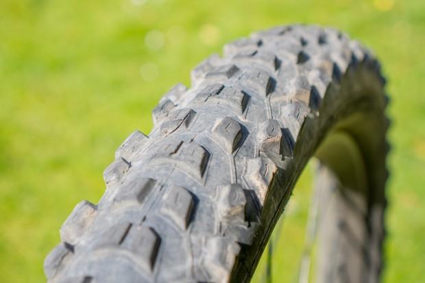 Pirelli Scorpion Enduro S 29x2.4 hardwall Smartgrip compound mountain bike tyre