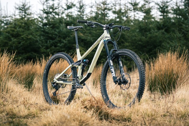 Angled pack shot of the Privateer 141 SLX XT full suspension mountain bike