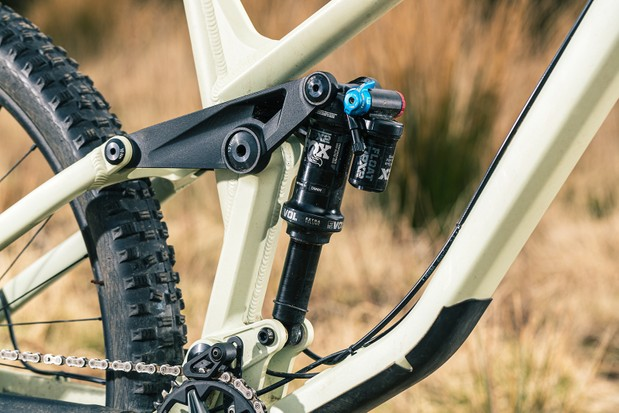 Fox's DPX2 shock controls the rear end.