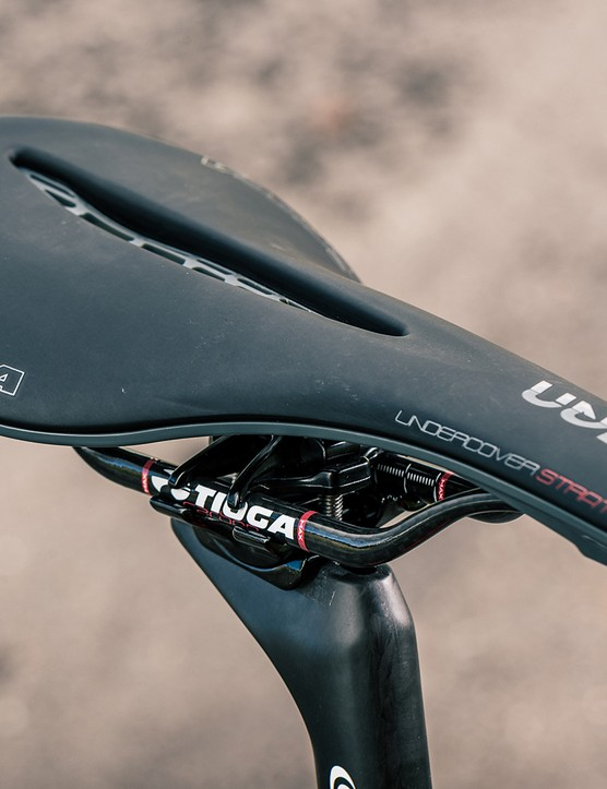 The Light Blue Newnham road bike is equipped with a Tioga Undercover Stratos saddle