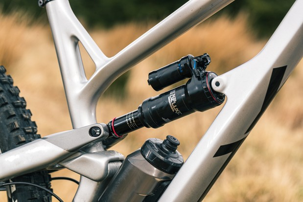 YT Jeffsy Blaze full suspension mountain bike has a chip to adjust the frame's geometry