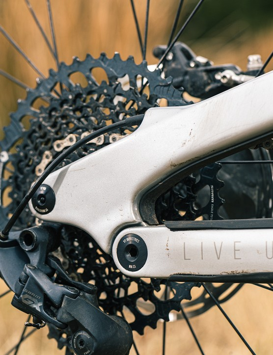 YT Jeffsy Blaze full suspension mountain bike is equipped with a SRAM GX Eagle drivetrain