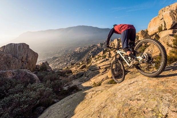 YT Jeffsy on steep rocks during Bike of the Year 2020 shoot in Spain