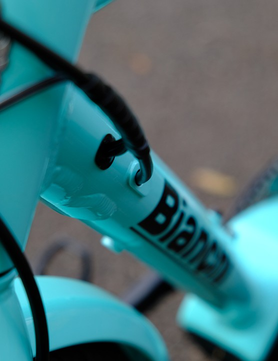 Cabling on the Bianchi E-Spillo Luxury eBike