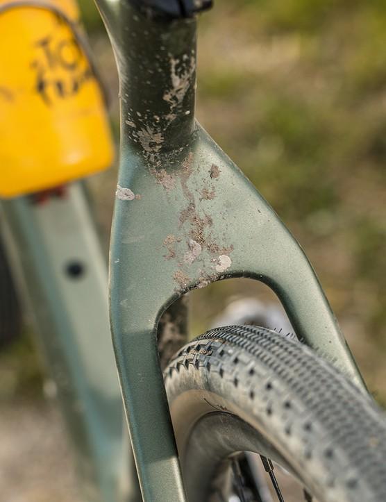 Flattened seatstays on the Boardman ADV 9.0 gravel bike