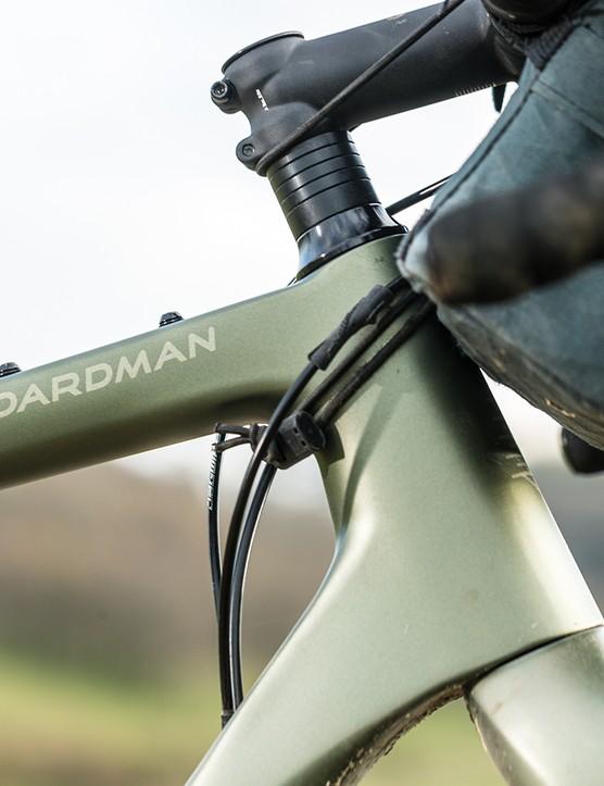 Headtube of the Boardman ADV 9.0 gravel bike
