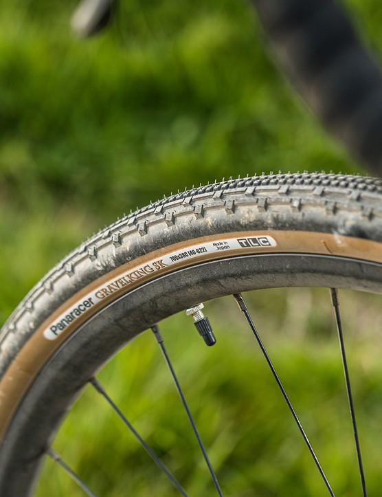 Panaracer Gravel King SK tyres on the Boardman ADV 9.0 gravel bike