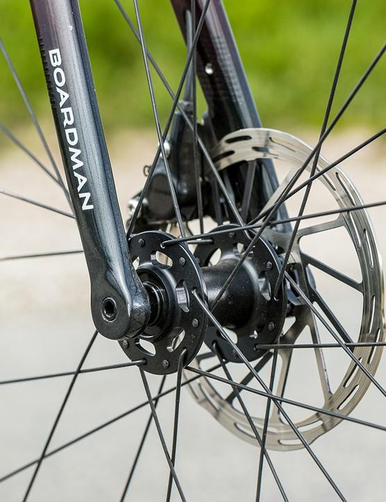 SRAM Rival hydraulic disc brakes on the Boardman SLR 9.4 AXS Disc Carbon road bike