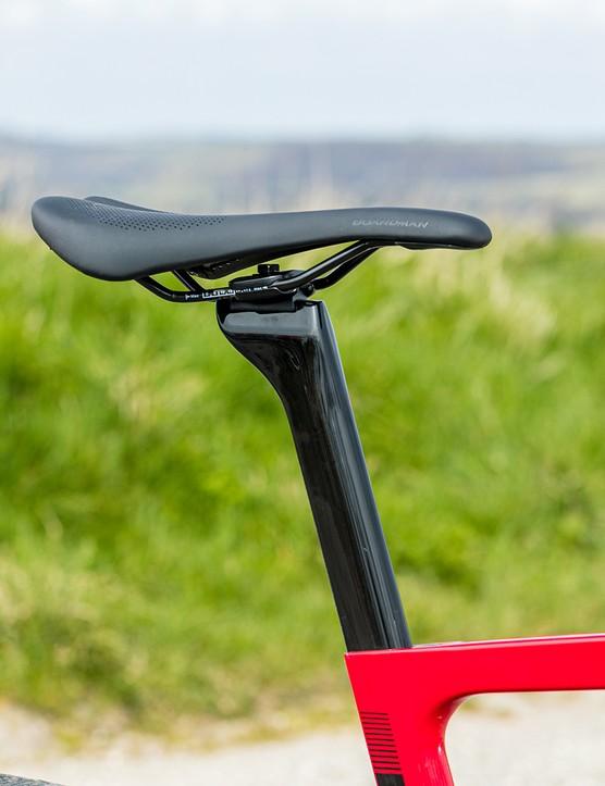 Boardman SLR Carbon seatpost on the Boardman SLR 9.4 AXS Disc Carbon