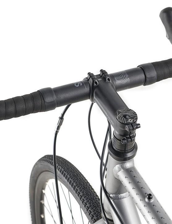 Genesis Code 7 stem with Genesis alloy bar on the Genesis CDA road bike