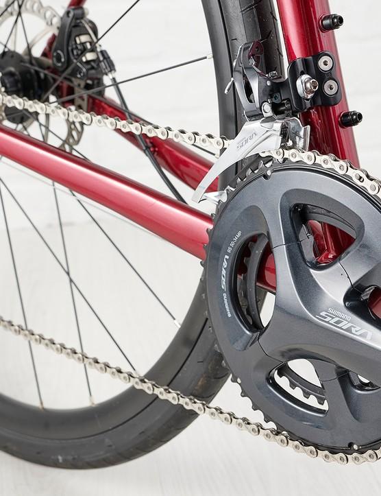 Shimano Sora drivetrain on the Giant Contend AR3 road bike