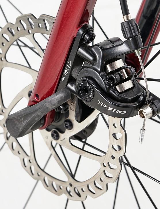 Tektro MD-C550 mechanical disc brakes on the Giant Contend AR3 road bike