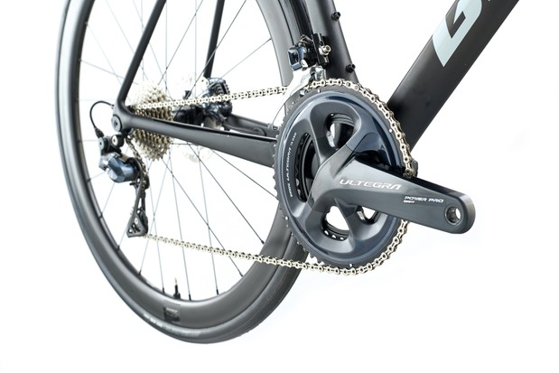 Shimano Ultegra drivetrain on the Giant TCR Advanced Pro 1 Disc road bike