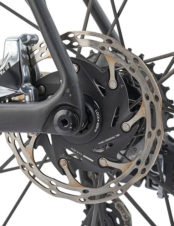 SRAM Red eTap AXS hydraulic brakes on the Giant TCR Advanced SL0 Disc road bike