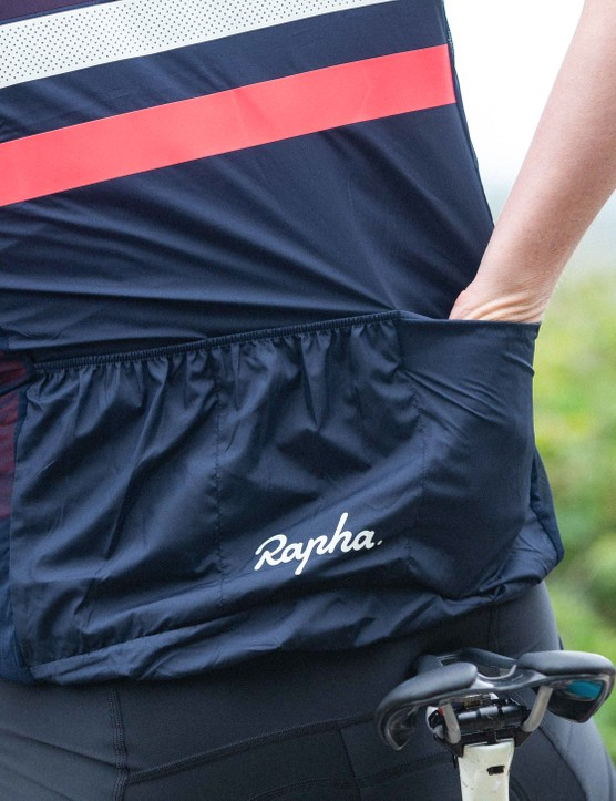 How to dress for summer cycling, Rapha gilet