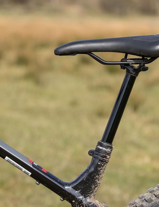 Merida Comp TR dropper post on the Merida Big.Trail 500 hardtail mountain bike