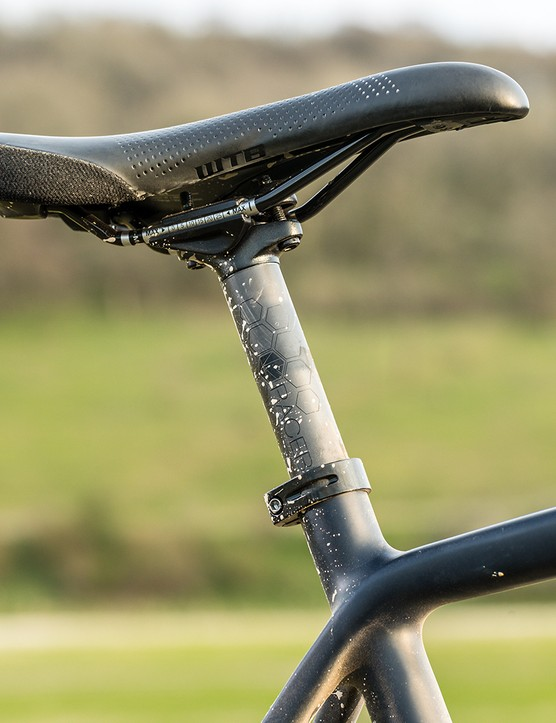 Fizik Terra Argo saddle and Raceby carbon seatpost on the Pearson Off Grid gravel bike