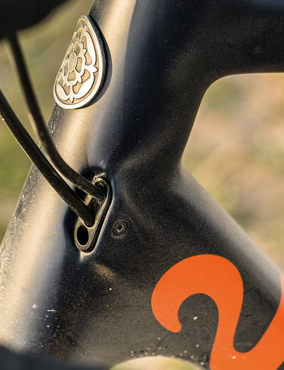 Internal cabling on the Pearson Off Grid gravel bike