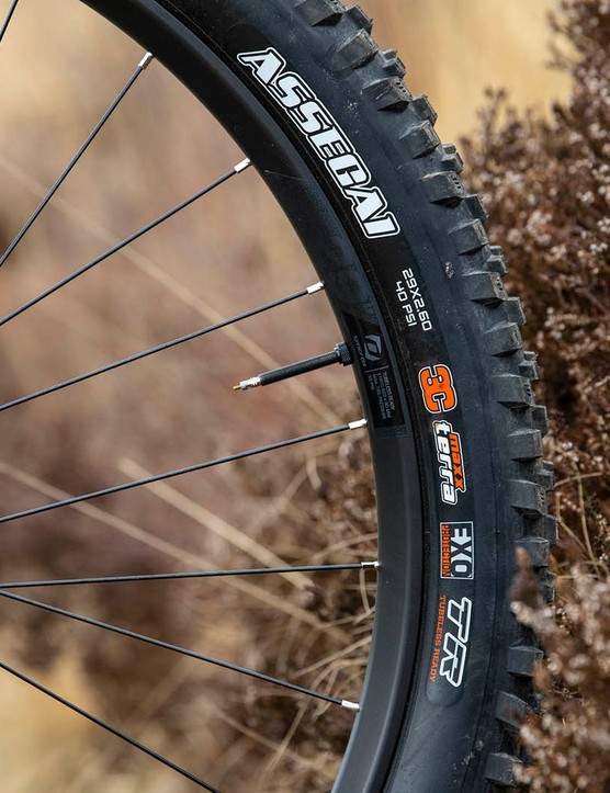 Maxxis Assegai tyre on the front of the Scott Ransom 920 full suspension mountain bike