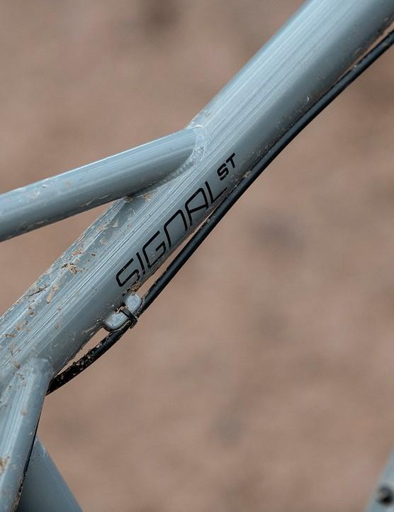 Dropped top tube on the Sonder Signal ST NX hardtail mountain bike