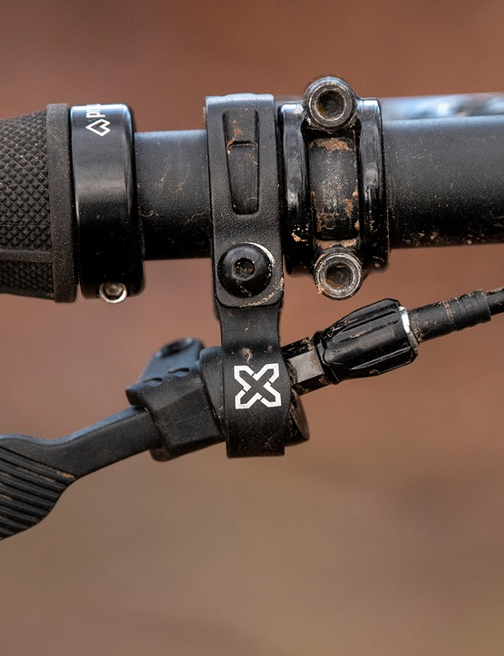 Remote for the X-Fusion Manic dropper post on the Sonder Signal ST NX hardtail mountain bike
