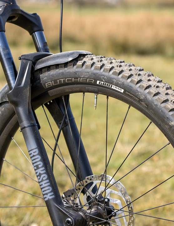 Specialized Butcher GRID TRAIL tyre on the front of the Specialized Fuse 275 hardtail mountain bike