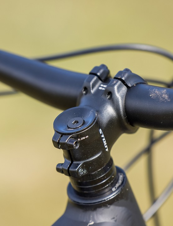 Stout 3D-Forged stem on the Specialized Fuse 275 hardtail mountain bike