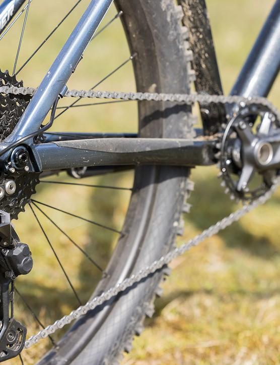 Shimano Deore gears on the Vitus Sentier 27 hardtail mountain bike