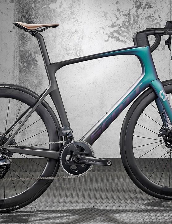 Pack shot of the Scott Foil 10 road bike