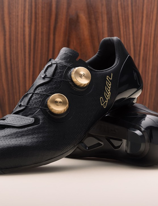Black shoes with gold Boa dials