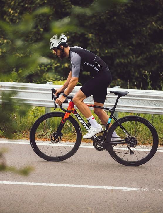 Cyclist riding the Merida Scultura Team road bike