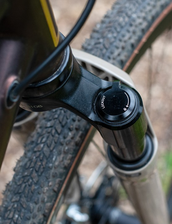 Rå Valravn steel gravel bike with SRAM XPLR groupset, RockShox Rudy Ultimate XPLR fork and RockShox Reverb AXS XPLR dropper post