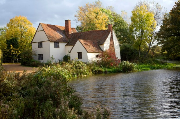 Willy Lot's House Cottage, Flatford Mill, Suffolk, England. An ancient farmhouse made famous by a painting by artist John Constable. (Photo By: Geography Photos/UIG via Getty Images)