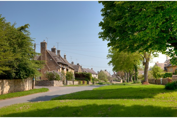 The Cotswold village of Kingham, Oxfordshire, England.