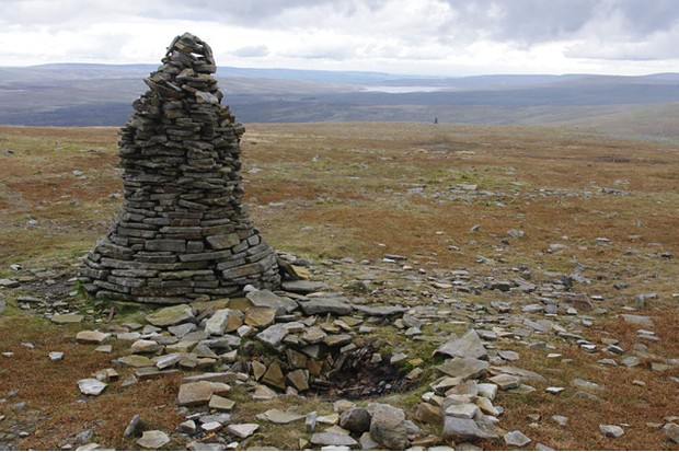 Cross Fell cairn ©Ian Taylor