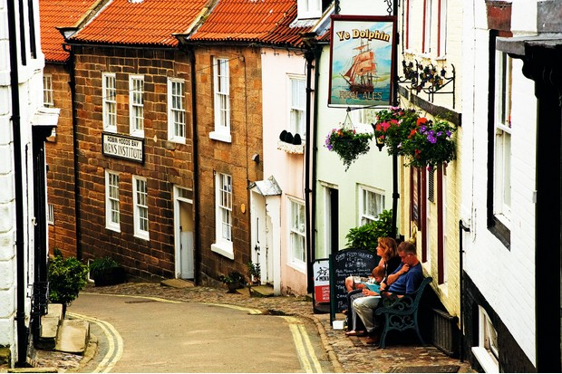 The Dolphin pub in the village of Robin Hoods Bay ©Alamy View your orde